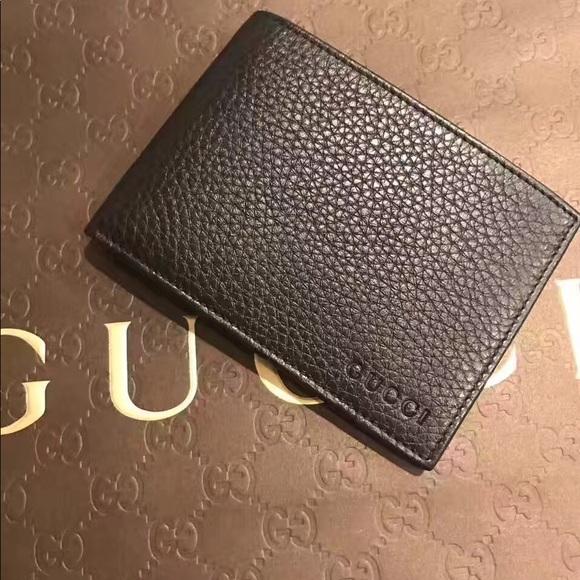 4430746b6fb Gucci men bi-fold leather wallet Black